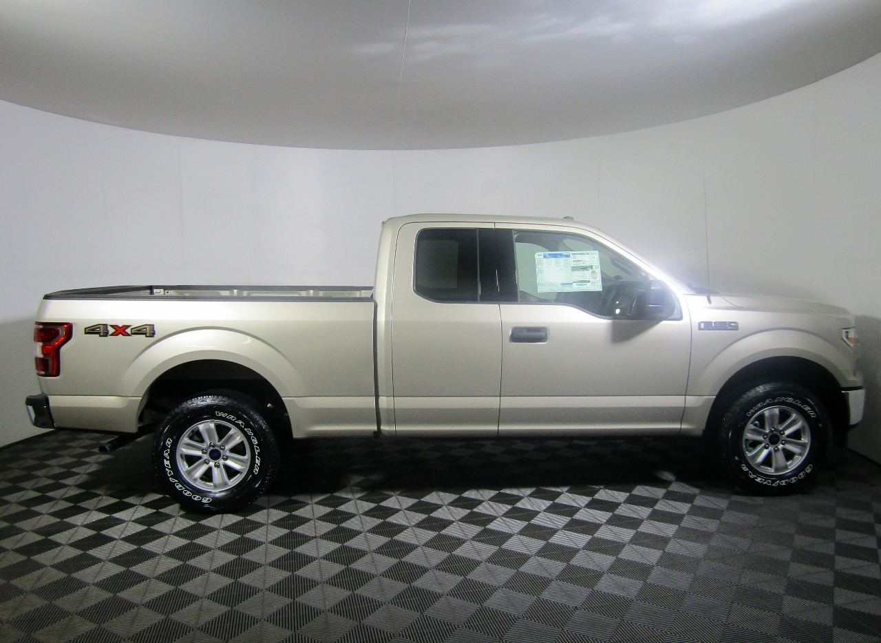 2018 F-150 Super Cab 4x4, Pickup #186520 - photo 8