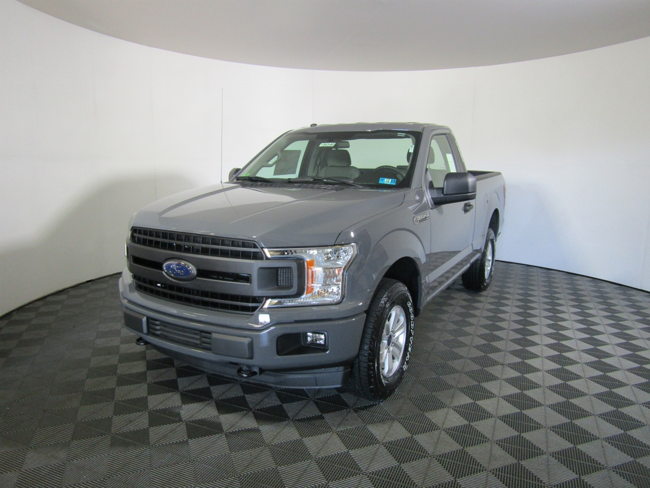 2018 F-150 Regular Cab 4x4, Pickup #186546 - photo 1