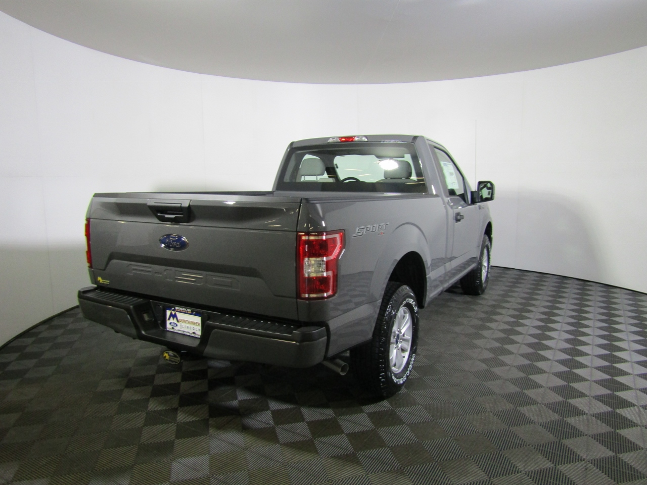 2018 F-150 Regular Cab 4x4 Pickup #186546 - photo 6