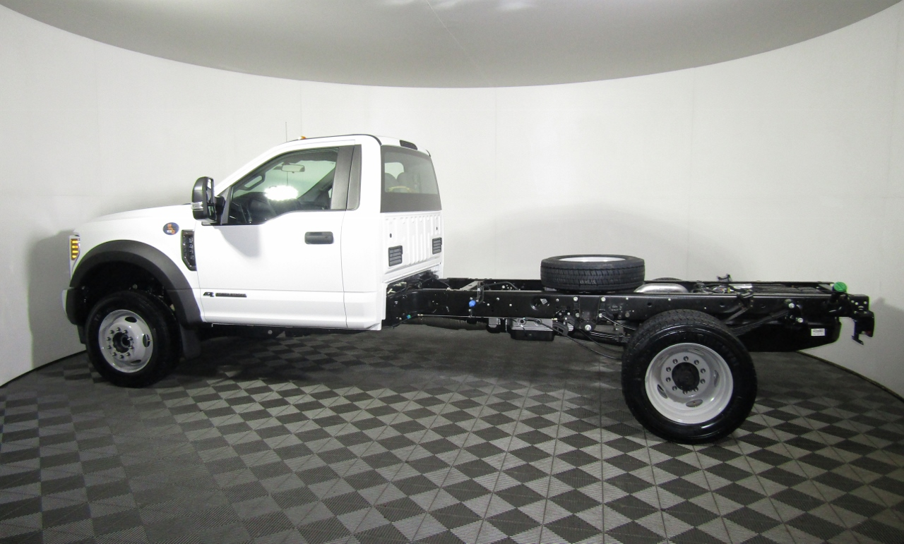 2018 F-450 Regular Cab DRW 4x4,  Cab Chassis #186592 - photo 3