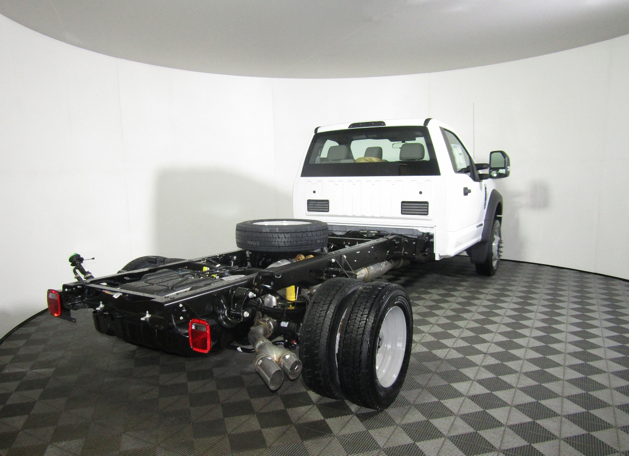 2018 F-450 Regular Cab DRW 4x4,  Cab Chassis #186592 - photo 6