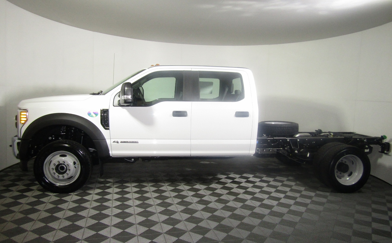 2018 F-550 Crew Cab DRW 4x4,  Cab Chassis #186667 - photo 3