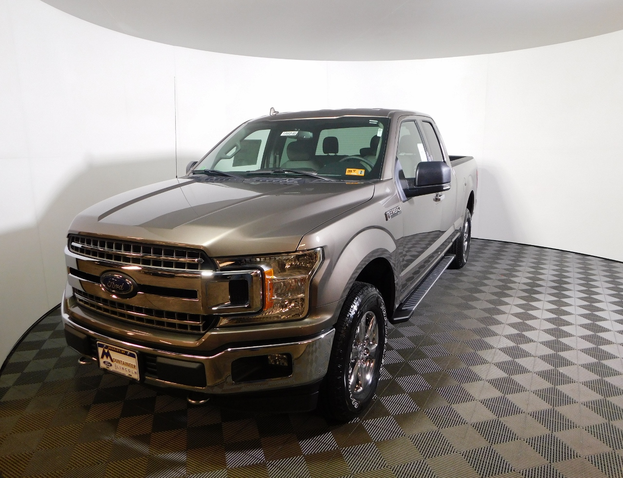 2018 F-150 Super Cab 4x4,  Pickup #186846 - photo 1