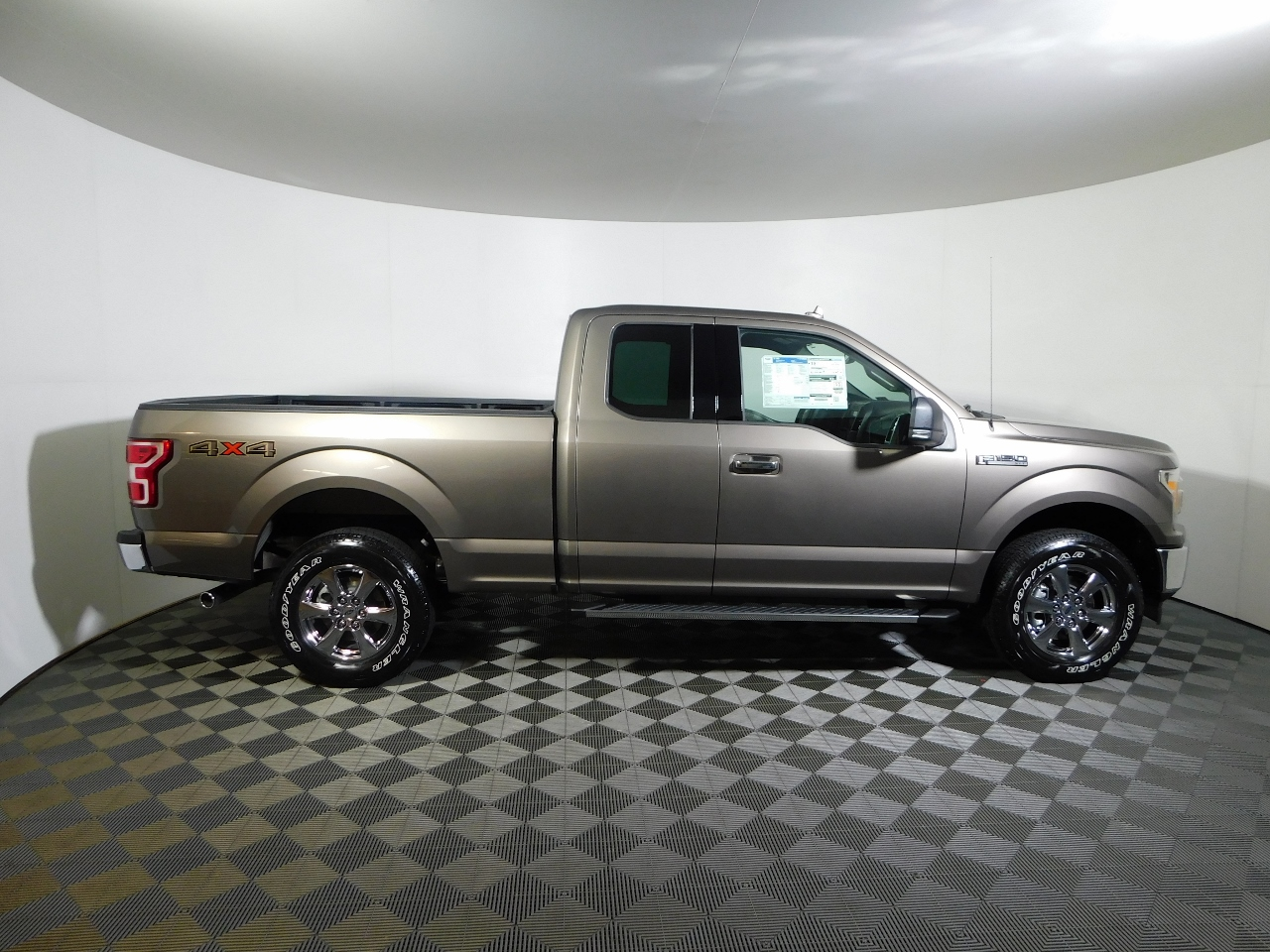 2018 F-150 Super Cab 4x4,  Pickup #186846 - photo 8