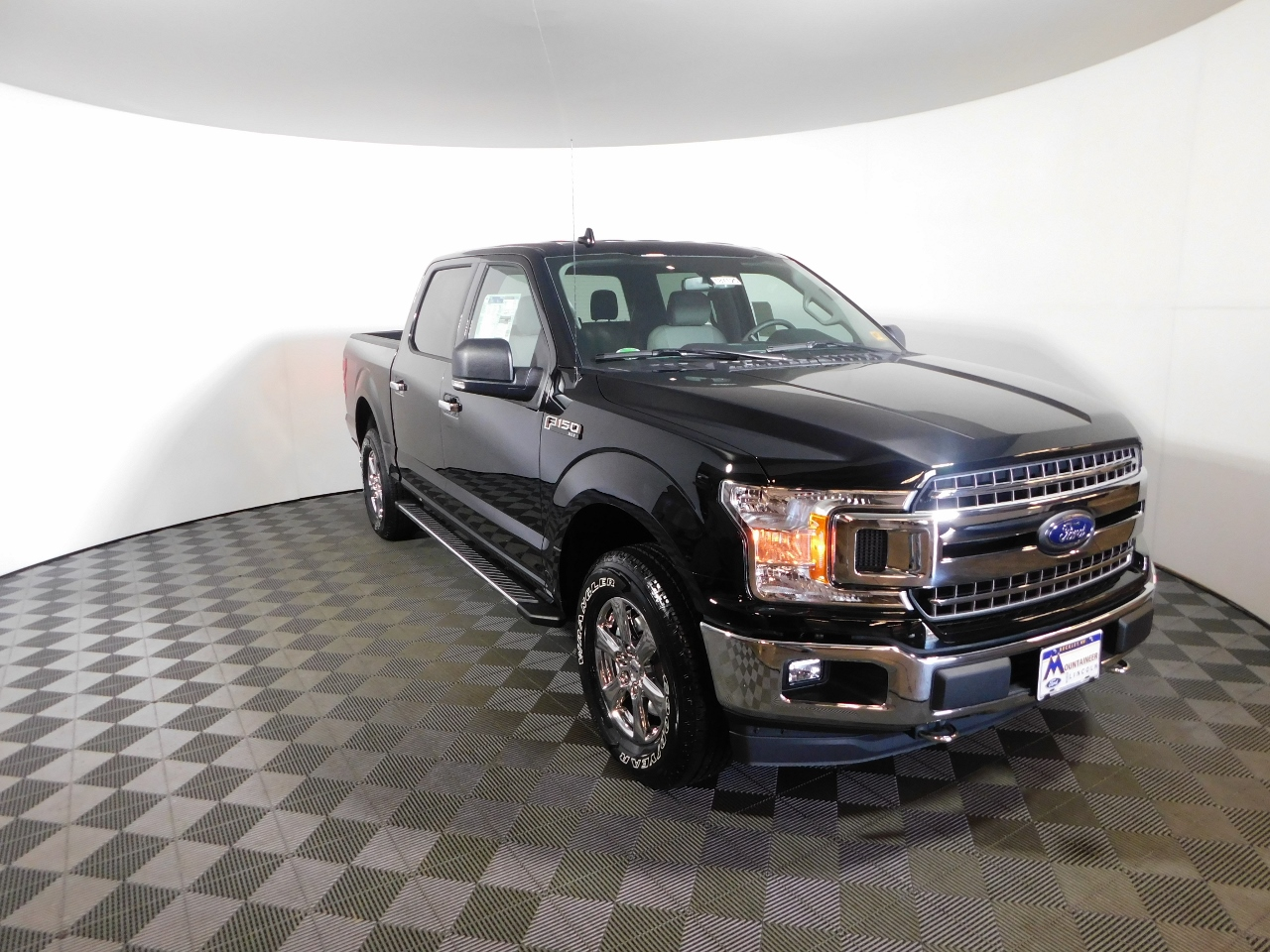 2018 F-150 SuperCrew Cab 4x4,  Pickup #187125 - photo 3