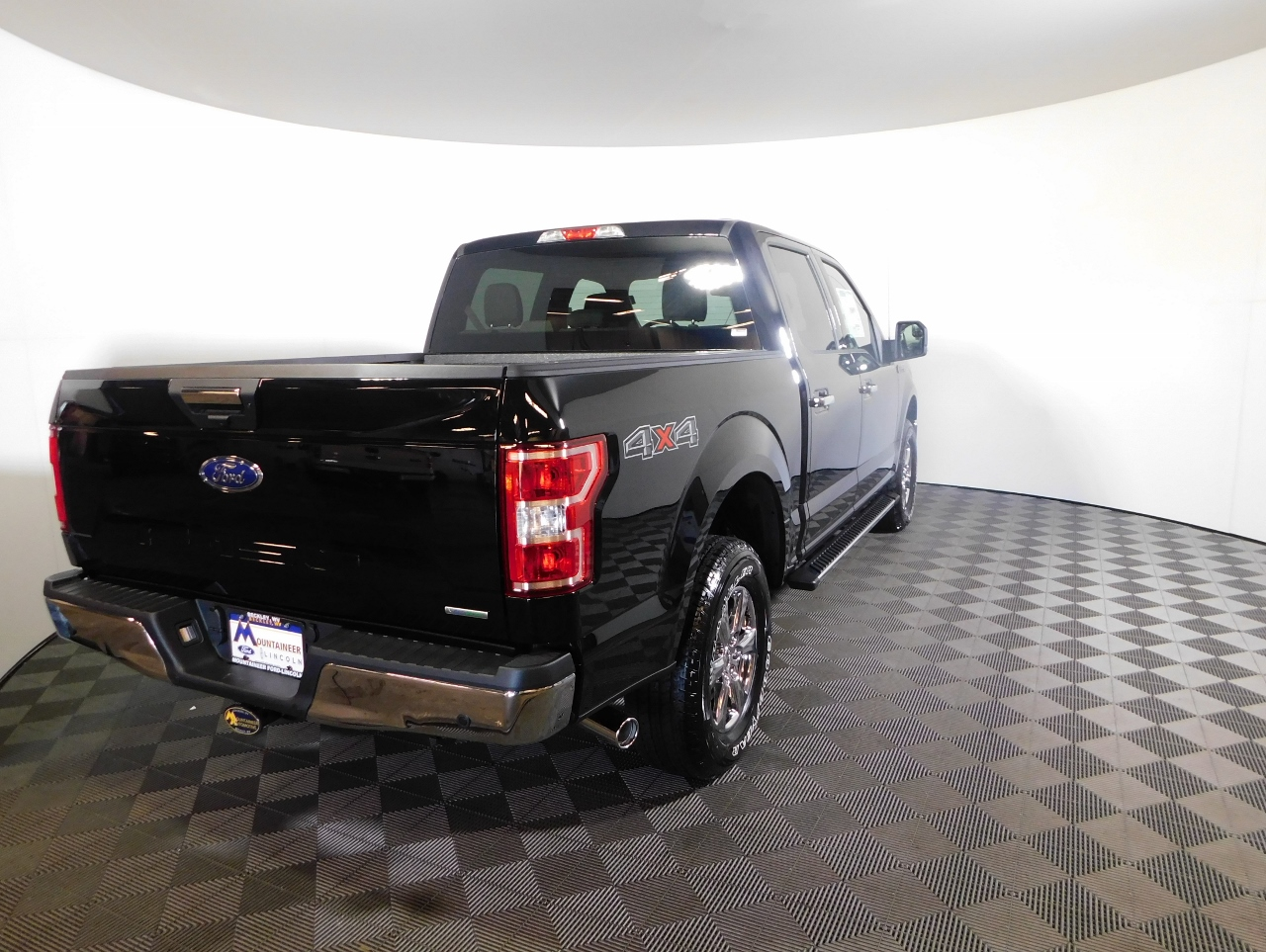 2018 F-150 SuperCrew Cab 4x4,  Pickup #187125 - photo 2