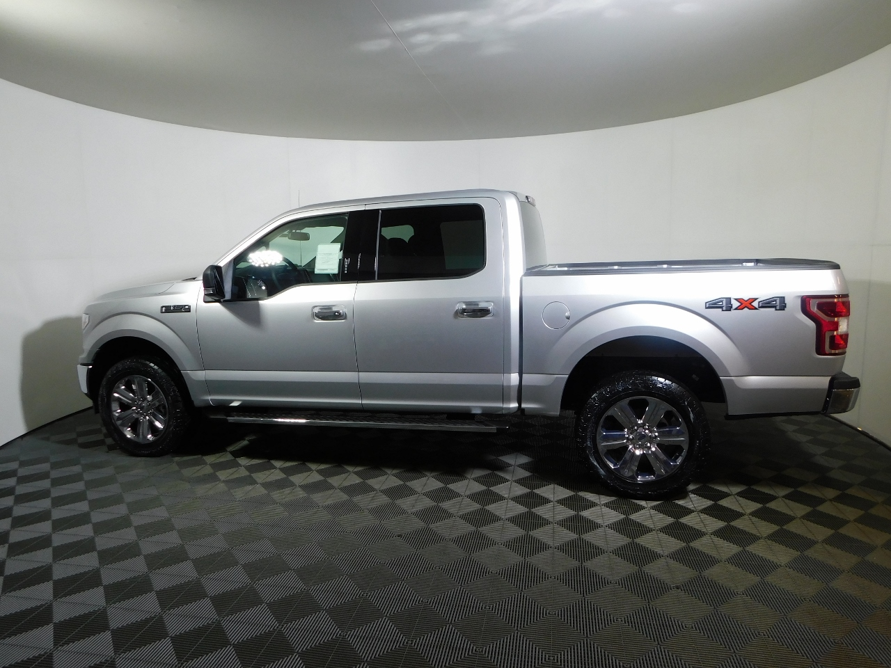 2018 F-150 SuperCrew Cab 4x4,  Pickup #187141 - photo 3