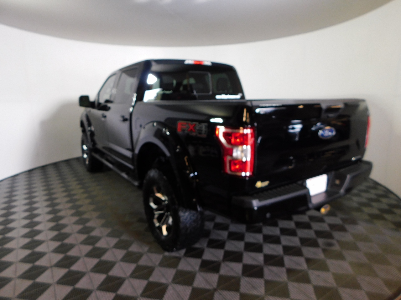 2018 F-150 SuperCrew Cab 4x4,  Pickup #187264 - photo 2