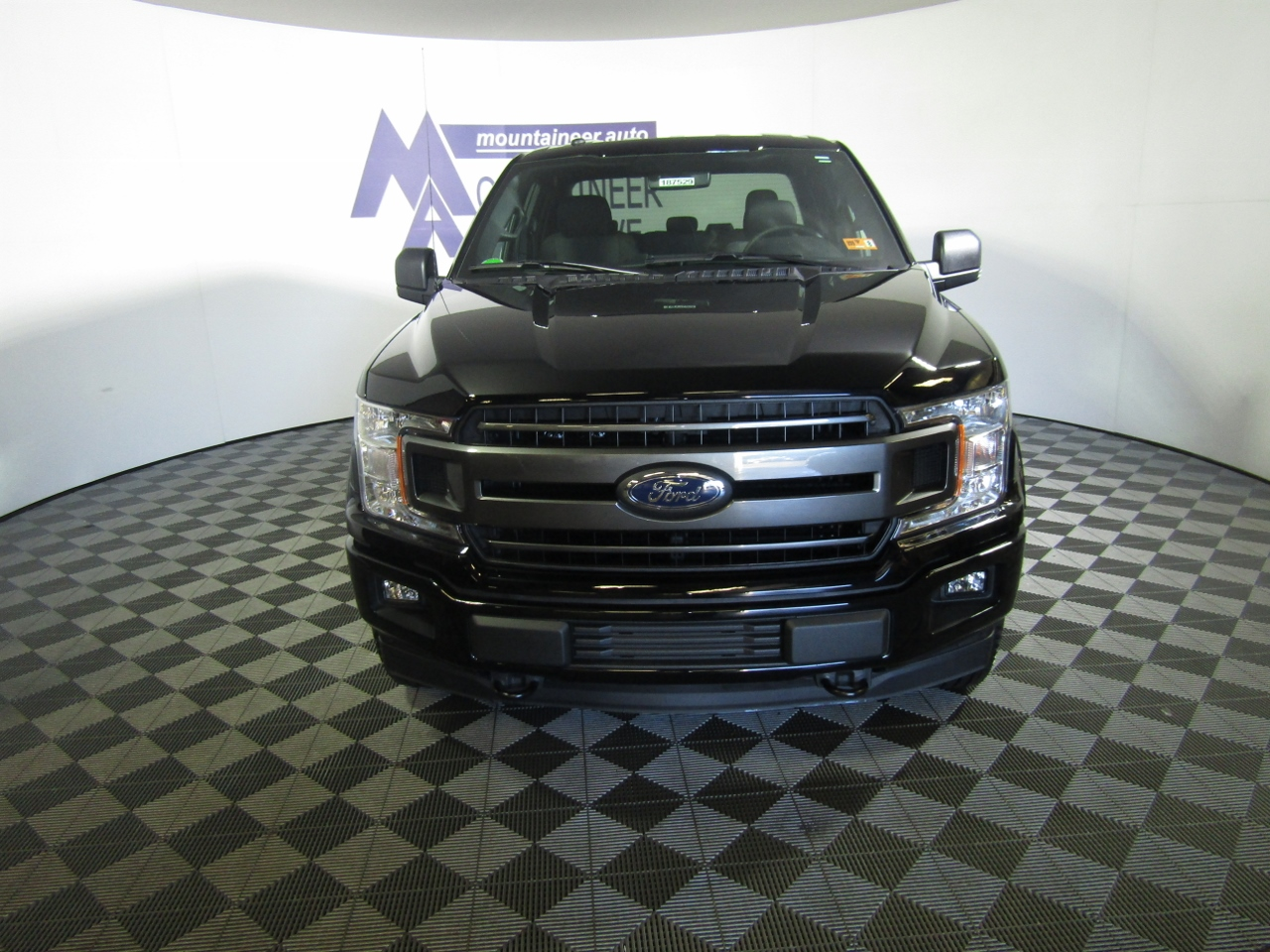 2018 F-150 Super Cab 4x4,  Pickup #187529 - photo 4