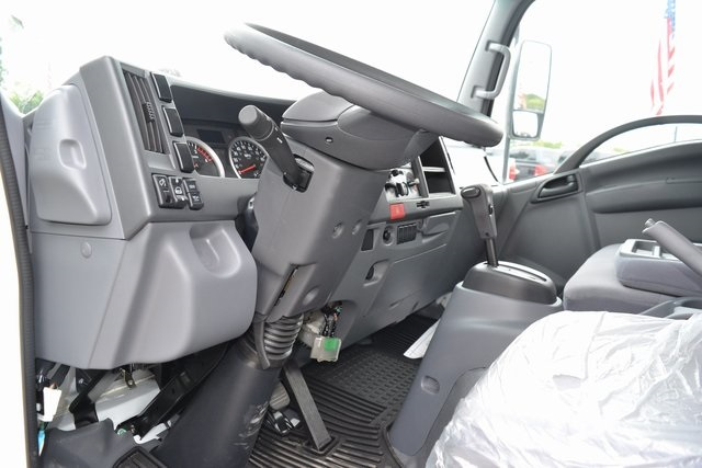 2018 LCF 4500HD Regular Cab,  Supreme Dry Freight #95114 - photo 6