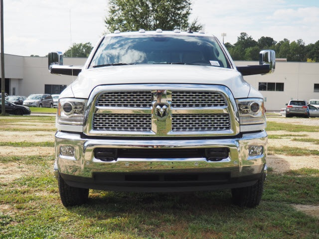 2018 Ram 3500 Crew Cab DRW 4x4 Pickup #R11750 - photo 3