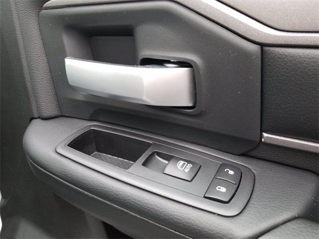2019 Ram 5500 Regular Cab DRW 4x2, PJ's Platform Body #R15099 - photo 24