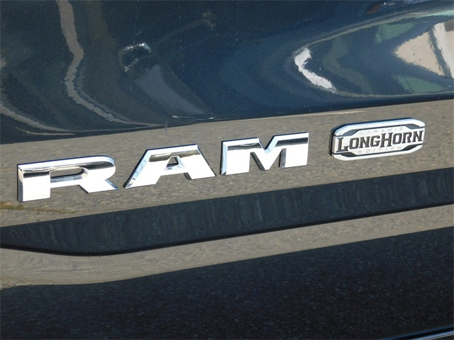 2019 Ram 1500 Crew Cab 4x4, Pickup #R22239 - photo 10
