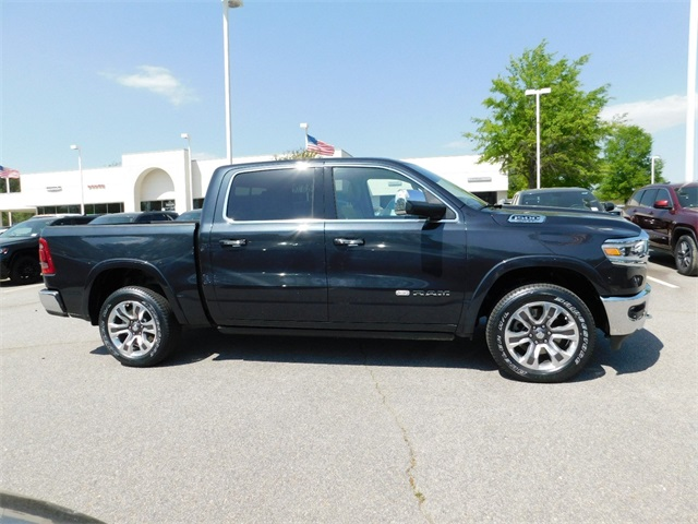 2019 Ram 1500 Crew Cab 4x4, Pickup #R22239 - photo 3