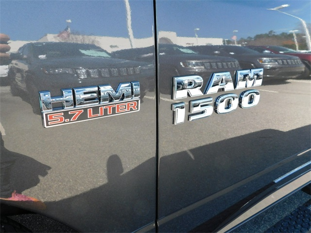 2018 Ram 1500 Crew Cab 4x2,  Pickup #R25368 - photo 10