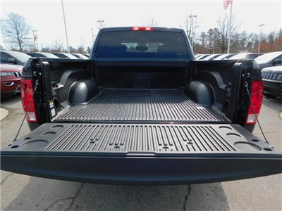 2018 Ram 1500 Crew Cab 4x4, Pickup #R27312 - photo 25