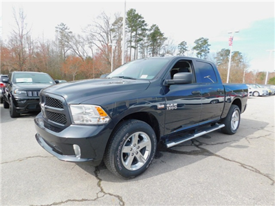 2018 Ram 1500 Crew Cab 4x4, Pickup #R27312 - photo 7