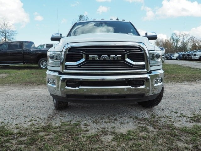 2017 Ram 3500 Crew Cab DRW 4x4, Pickup #R31971 - photo 3
