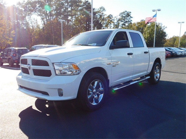 2019 Ram 1500 Crew Cab 4x2,  Pickup #R38909 - photo 9