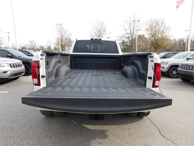 2018 Ram 3500 Crew Cab DRW 4x4, Pickup #R46885 - photo 29