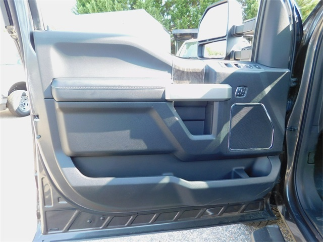 2017 F-250 Crew Cab 4x4, Pickup #68472 - photo 10