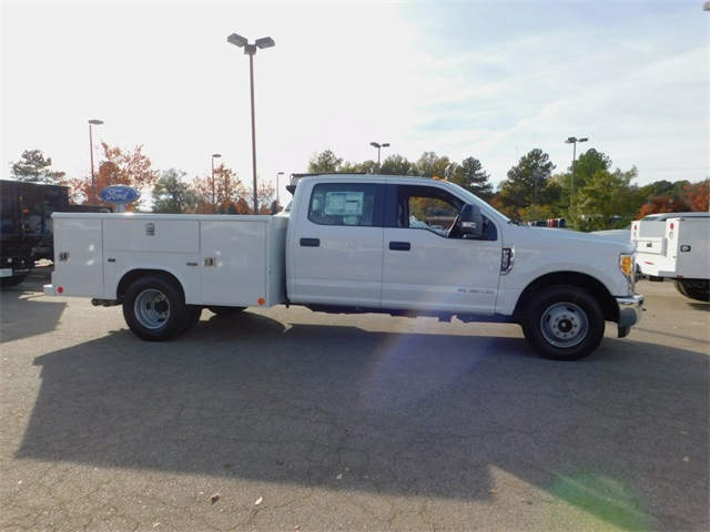 2017 F-350 Crew Cab DRW, Reading Classic II Steel Service Body #71992 - photo 3