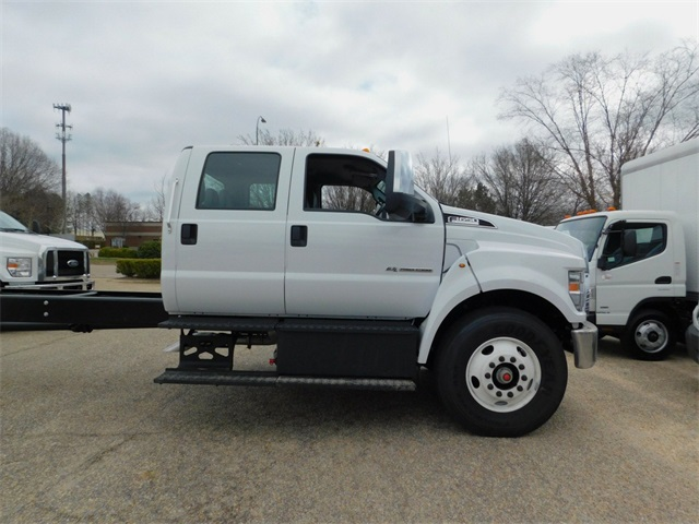 2018 F-650 Crew Cab DRW, Cab Chassis #73406 - photo 4