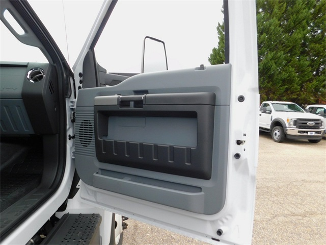 2018 F-650 Crew Cab DRW, Cab Chassis #73406 - photo 33