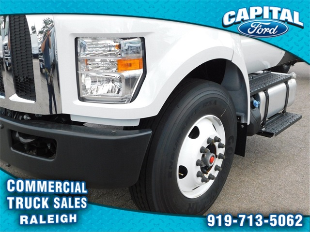 2018 F-750 Regular Cab DRW 4x2,  Cab Chassis #74533 - photo 9