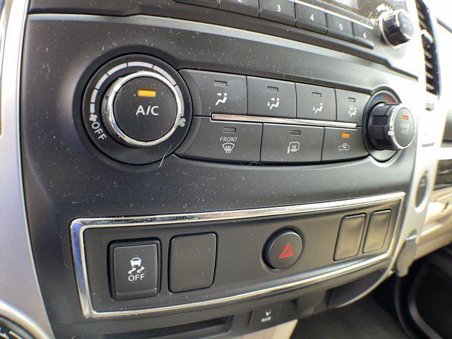 2018 Nissan Titan Crew Cab 4x4, Pickup #AP52095 - photo 29