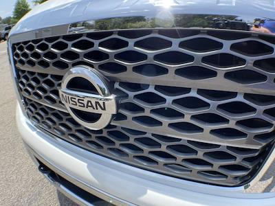 2018 Nissan Titan Crew Cab 4x4, Pickup #AP52095 - photo 17