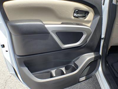 2018 Nissan Titan Crew Cab 4x4, Pickup #AP52095 - photo 12