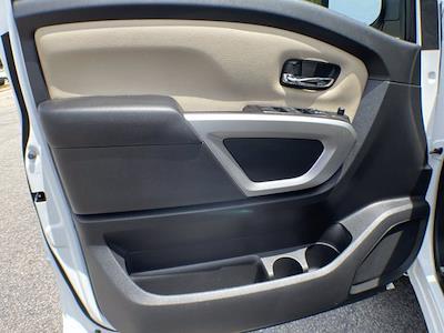 2018 Nissan Titan Crew Cab 4x4, Pickup #AP52095 - photo 16