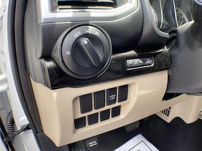2018 Nissan Titan Crew Cab 4x4, Pickup #AP52095 - photo 21
