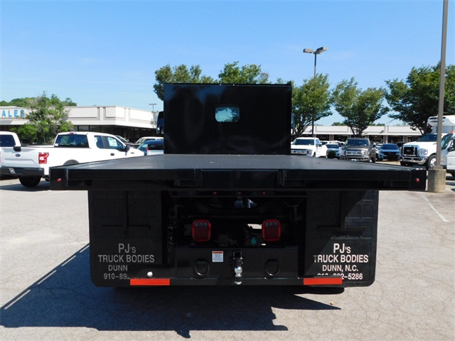 2018 F-750 Regular Cab DRW 4x2,  Platform Body #CC76524 - photo 4