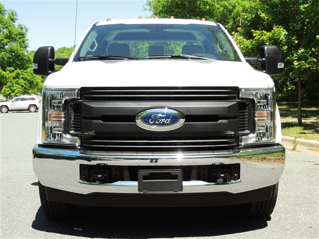 2018 F-350 Crew Cab DRW 4x4,  Reading SL Service Body #DT79214 - photo 4