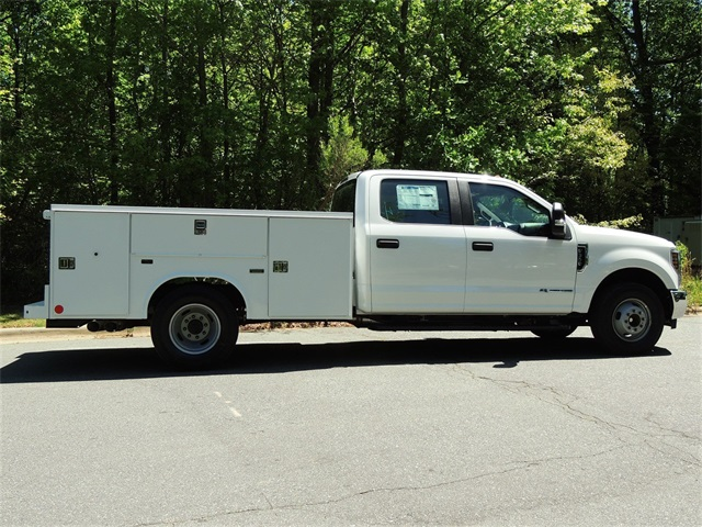 2018 F-350 Crew Cab DRW 4x4,  Reading SL Service Body #DT79214 - photo 9