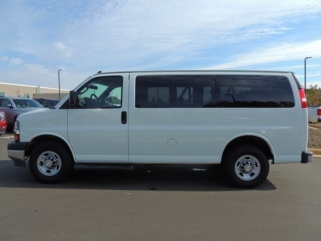 2018 Express 3500 4x2,  Passenger Wagon #9AC1622 - photo 5