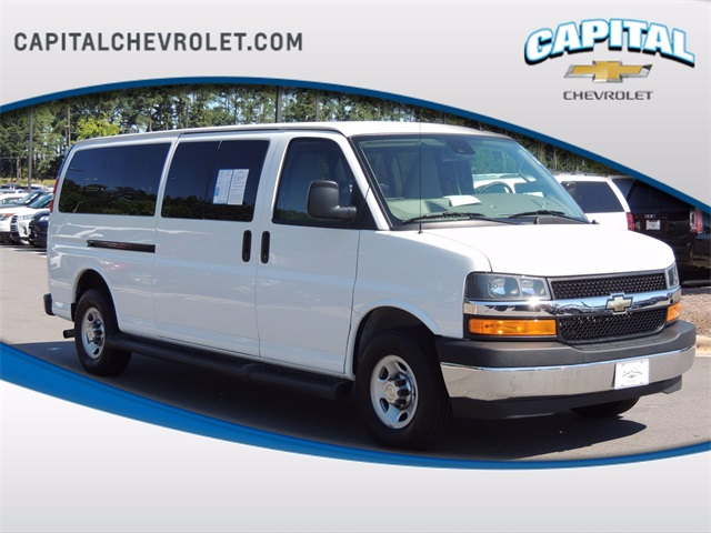 2019 Chevrolet Express 3500 4x2, Passenger Wagon #9AC3126 - photo 1
