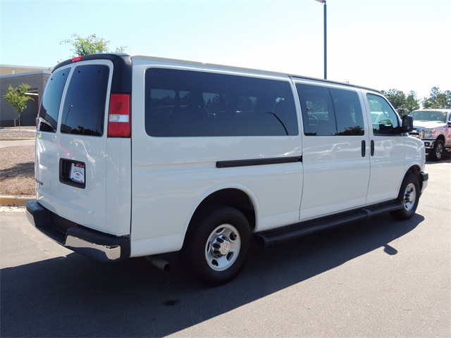 2019 Chevrolet Express 3500 4x2, Passenger Wagon #9AC3127 - photo 1
