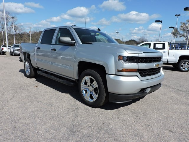 2018 Silverado 1500 Crew Cab,  Pickup #9C16734 - photo 1