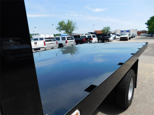 2017 Silverado 3500 Regular Cab DRW, Knapheide Value-Master X Platform Body #9CC08176 - photo 23