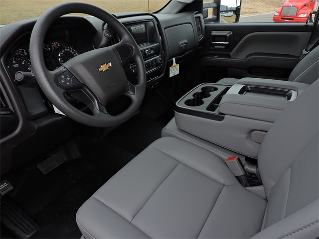 2019 Silverado 2500 Double Cab 4x2, Reading Service Body #9CC18779 - photo 18
