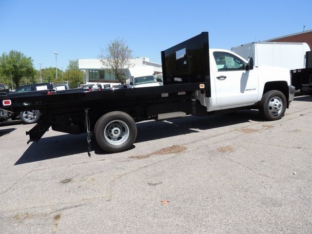 2017 Silverado 3500 Regular Cab DRW 4x4,  Knapheide Platform Body #9CC80048 - photo 3