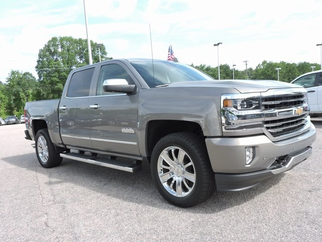 2017 Silverado 1500 Crew Cab 4x4,  Pickup #9MN119 - photo 9