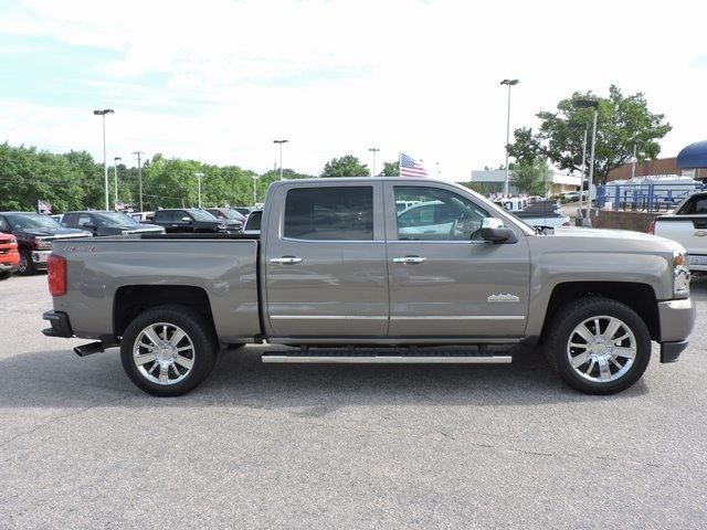 2017 Silverado 1500 Crew Cab 4x4,  Pickup #9MN119 - photo 8