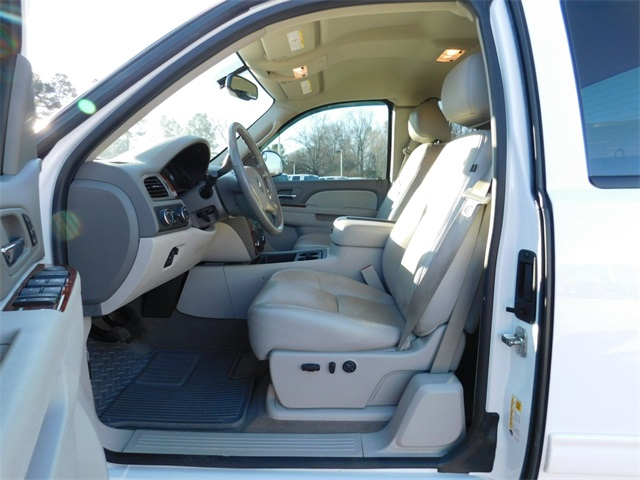2013 Silverado 3500 Double Cab 4x4, Pickup #DT9C01976A - photo 14
