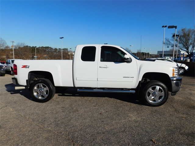 2013 Silverado 3500 Double Cab 4x4, Pickup #DT9C01976A - photo 3