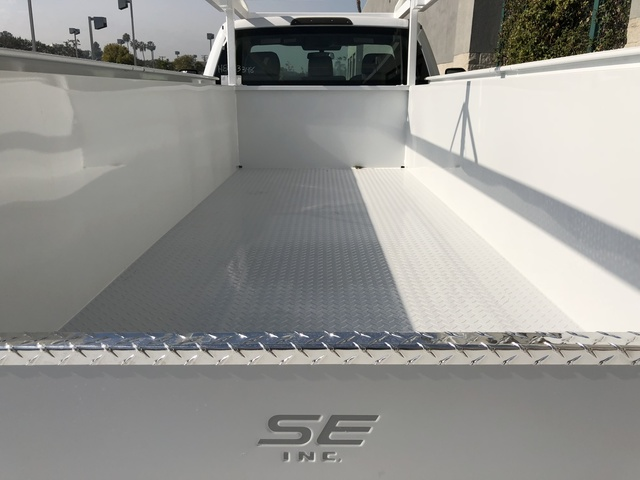 2017 F-550 Regular Cab DRW, Scelzi Crown Service Service Body #H2882 - photo 10