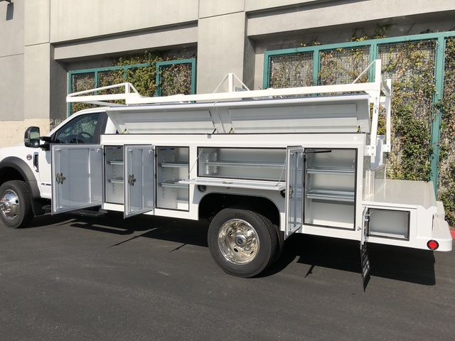 2017 F-550 Regular Cab DRW, Scelzi Crown Service Service Body #H2882 - photo 6